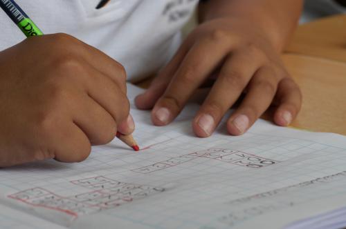 Más de 100 alumnos y alumnas vivareños recibirán ayudas del Ayuntamiento para material escolar